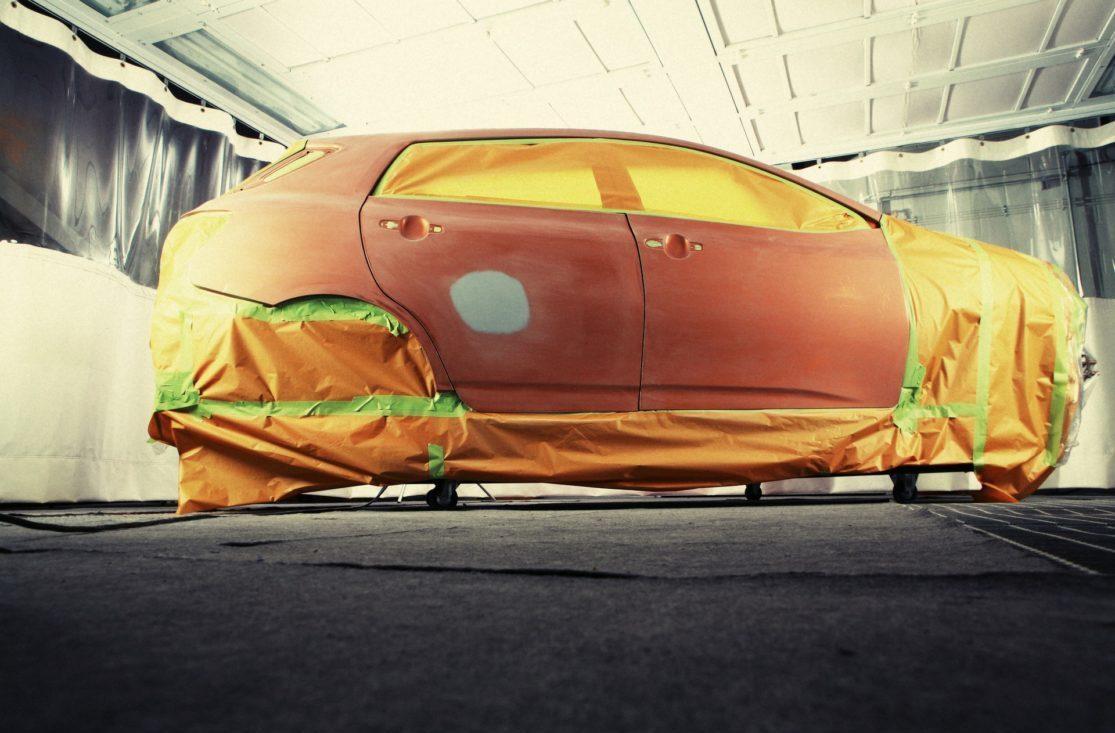Bil-fullstendig-lakkeringsjobb
