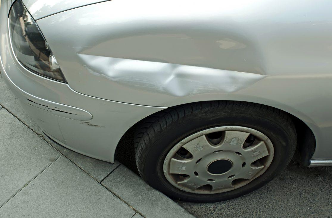 Kollisjonsskadet bil